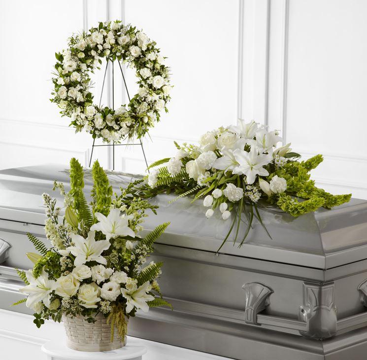 Fiori-per-condoglianze-funerale